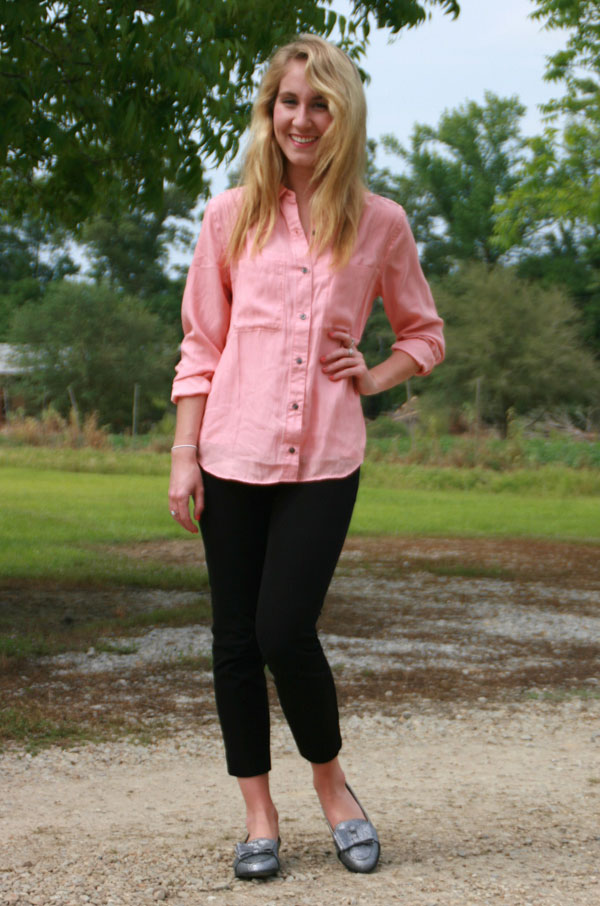 Salmon button-up, black skinny jeans, and sparkly loafers