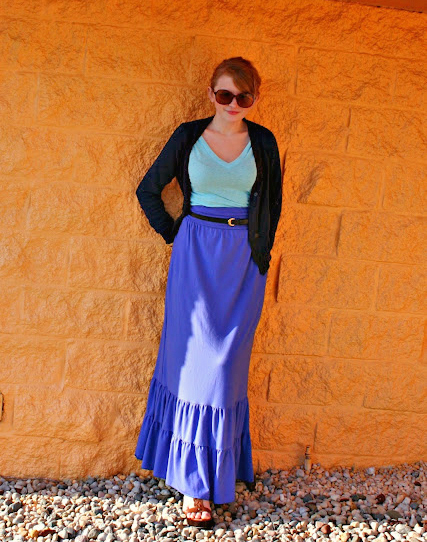 Maxi skirt and tshirt