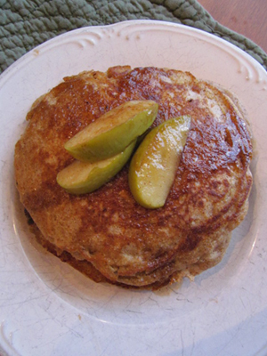 Apple Cinnamon Flax Pancakes